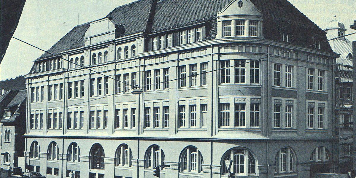 Gewerbliches Gebäude