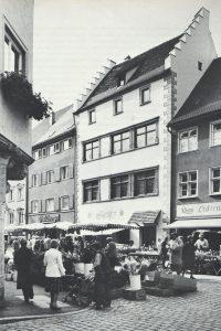 Historisches Haus in einer Straße