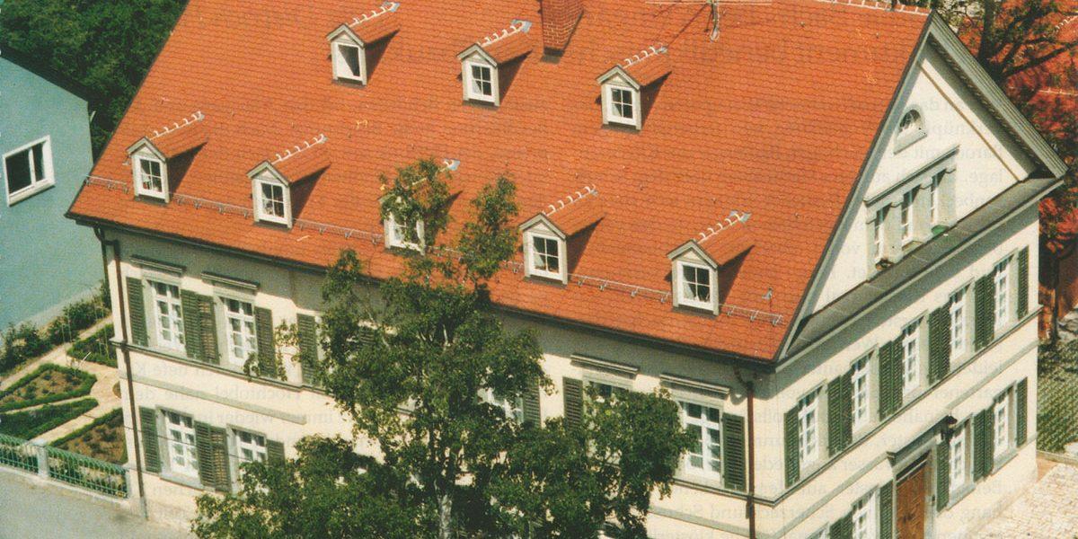 klassizistisches Gebäude Luftaufnahme