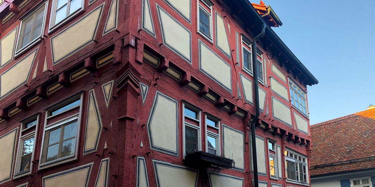 Details der Fassade eines Fachwerkgebäudes
