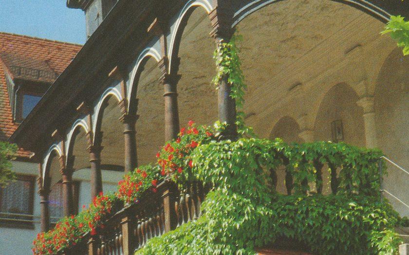 Loggia mit Säulen