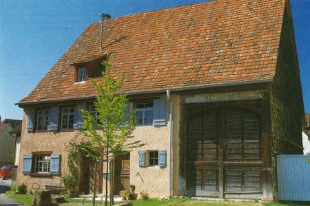 Außenansicht eines Bauernhauses