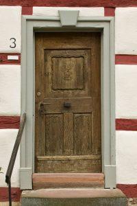 Holztür von außen