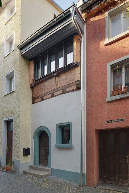 Ansicht eines schmalen Gebäudes