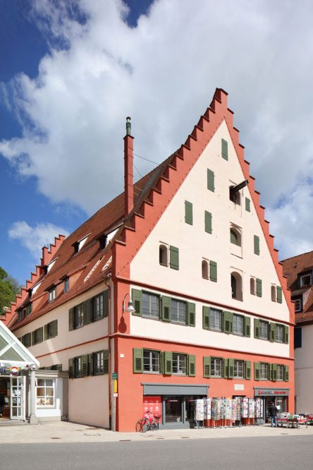 hohes historisches Gebäude