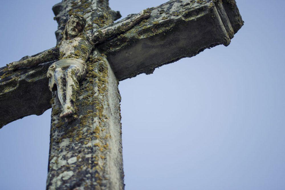 Kruzifix aus Stein