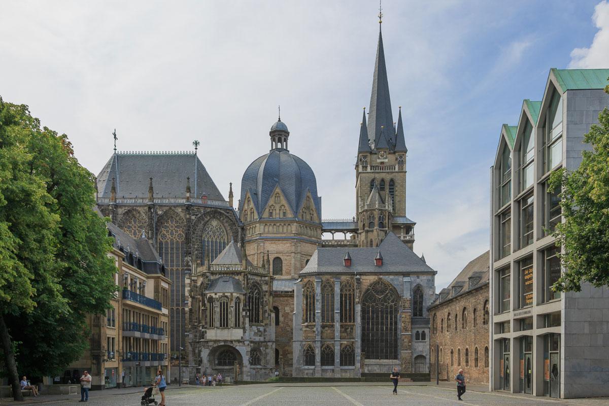 Karl V. und Albrecht Dürer in Aachen