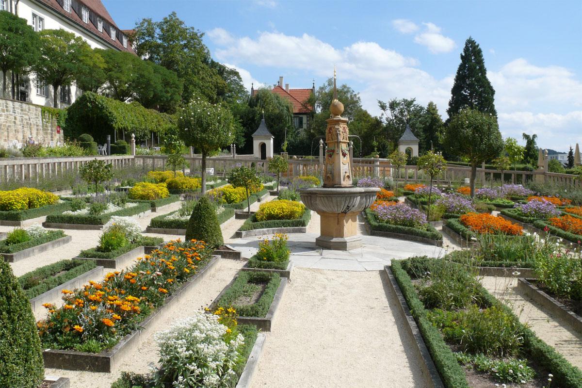Leonberg mit Altstadt und Pomeranzengarten